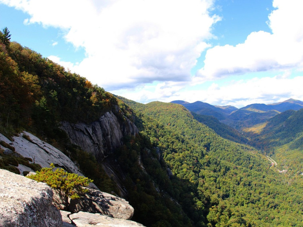 The view from Exclamation Point, in Chimney Rock State Park