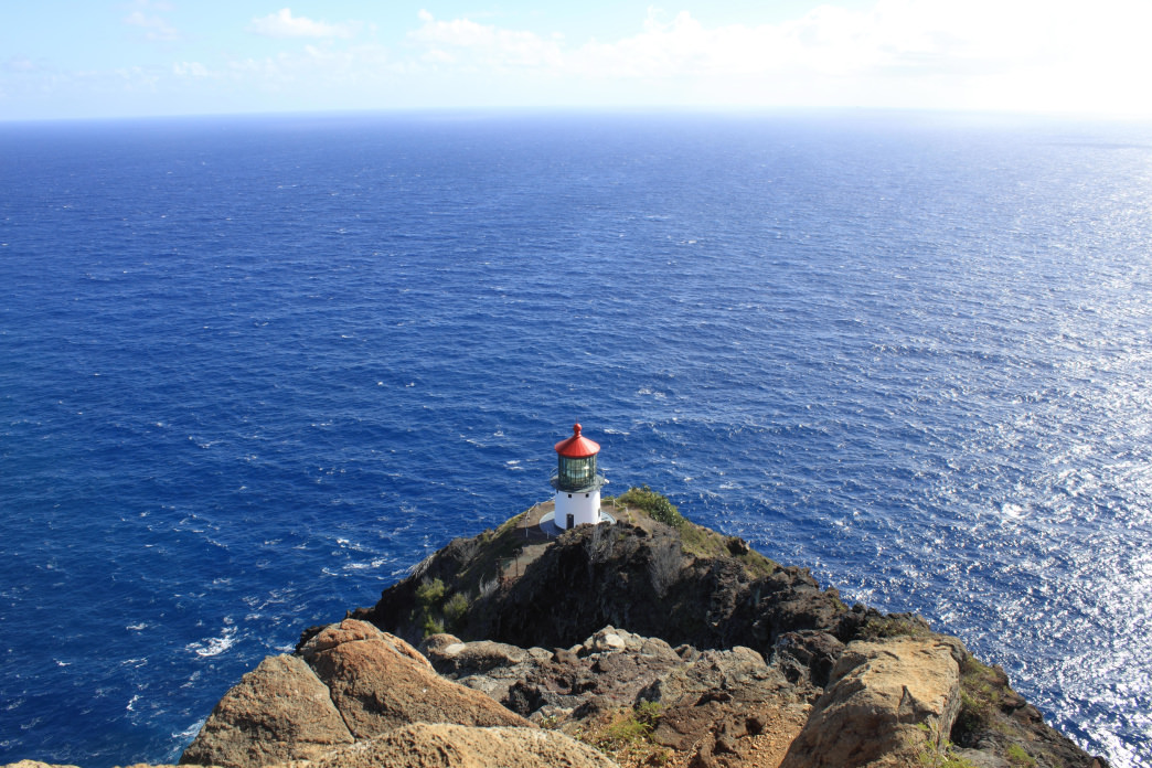 Take a hike down to the Makapu'u Lighthouse for a panoramic view of the Pacific Ocean.