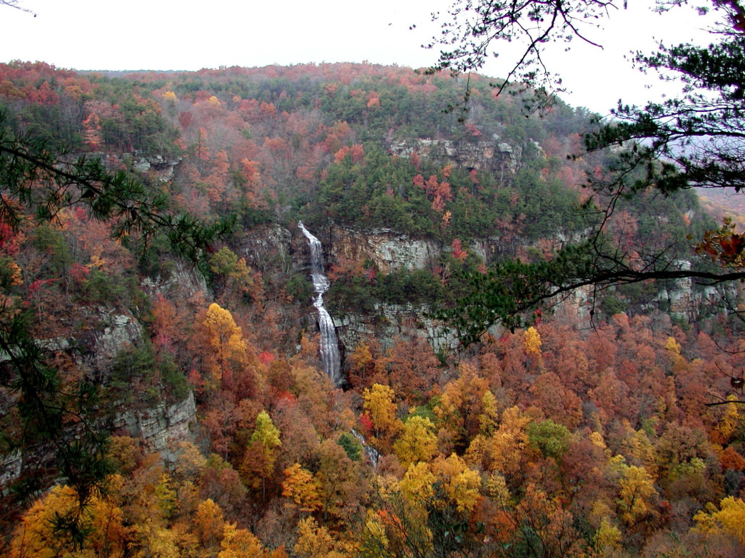 Cloudland Canyons State Park is home to Sitton's Cave.