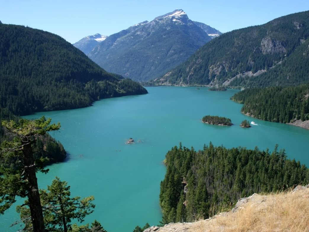It's easy to see why Diablo Lake is a popular destination for paddlers, too.