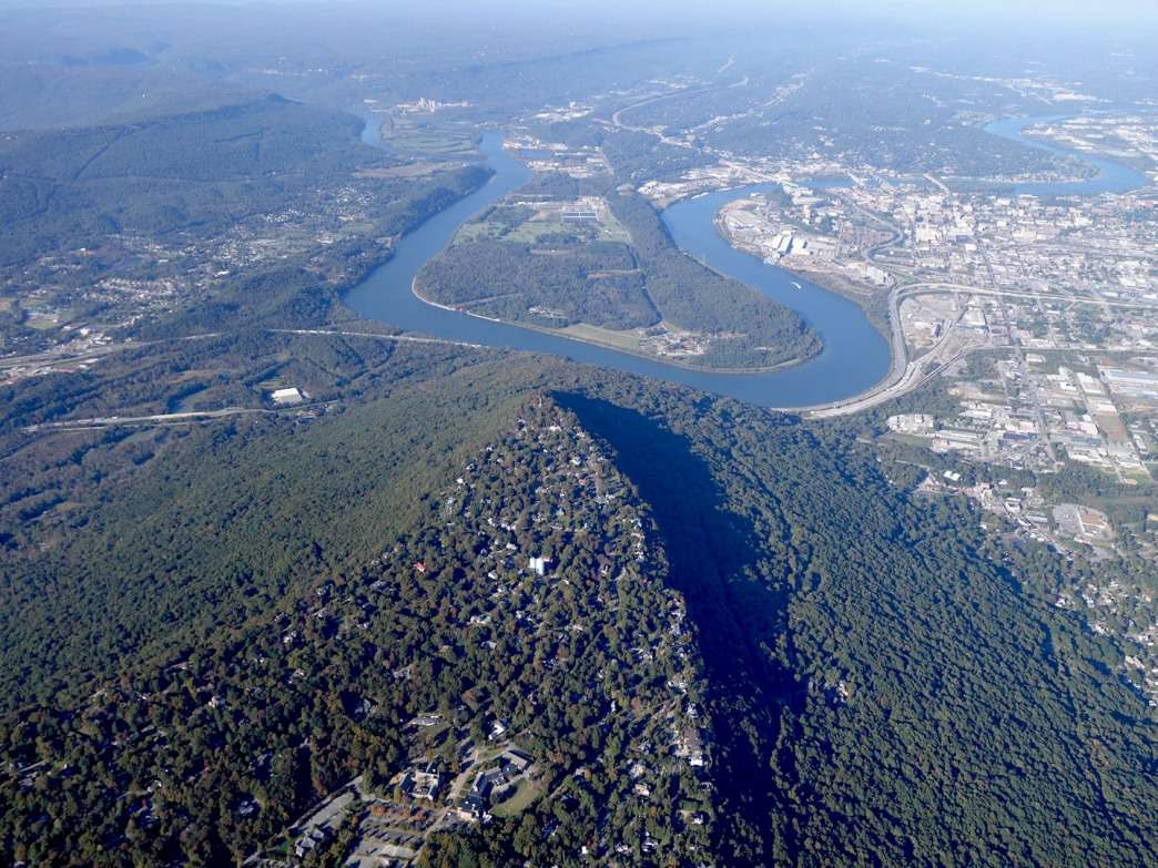 Aerial view of Chattanooga's moccasin-shaped peninsula