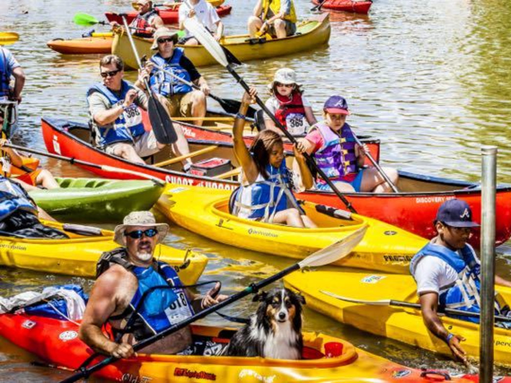 """Participants at the """"Back to the River"""" Race"""