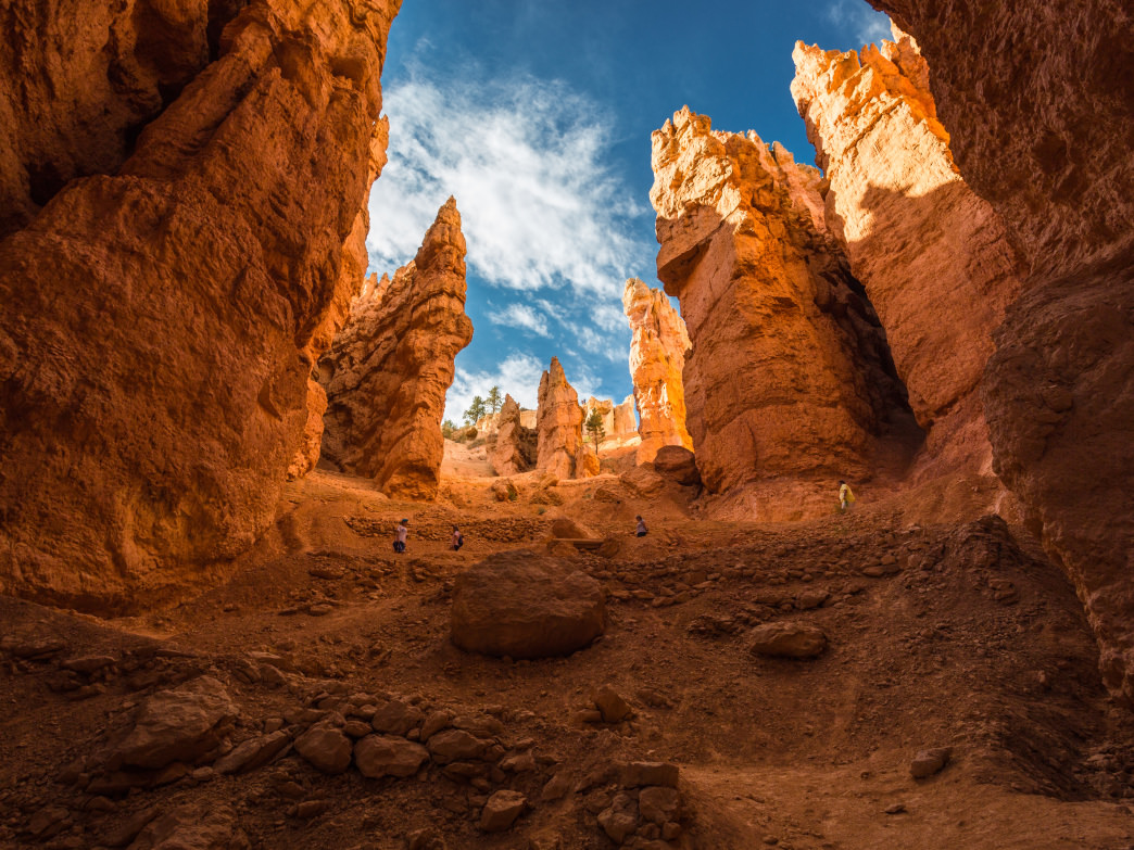 Traversing Navajo Trail in Bryce Canyon National Park.