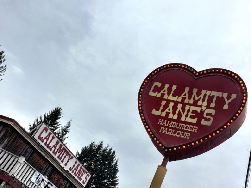 Calamity Jane's Hamburger Parlour is a popular stop for diners heading home from Mount Hood.