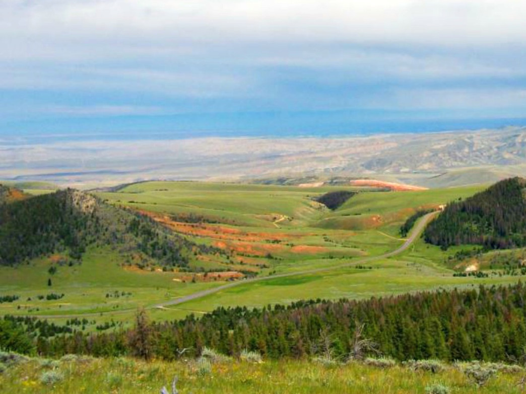 The Big Horn Basin from Pat O'Hara Mountain offers beautiful landscapes.