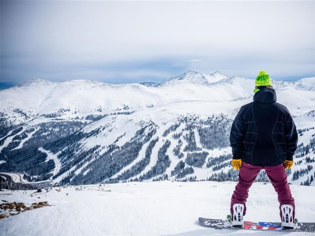 A Quick and Dirty Guide to Skiing and Snowboarding Near
