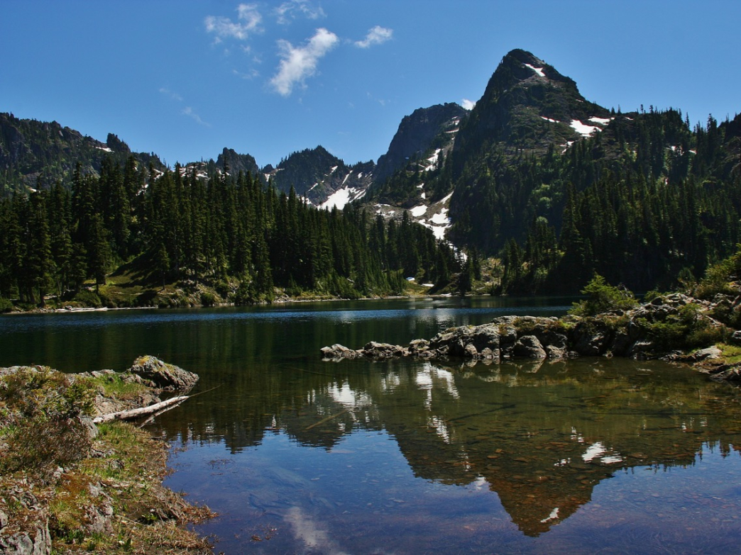The view of Mount Bretherton from Upper Lena Lake