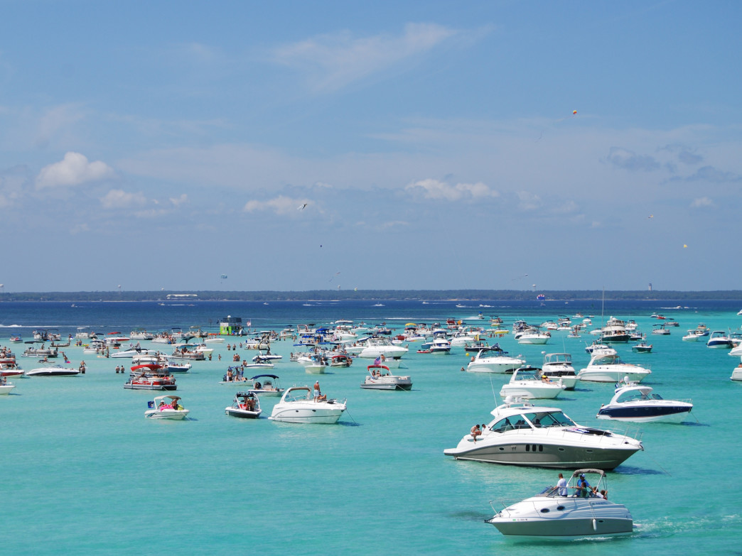 Destin Vacation Boat Rentals at Crab Island. Image has been cropped.