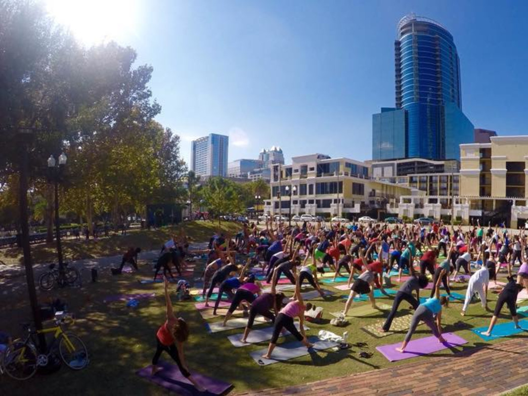 Sunday morning yoga at Lake Eola Park