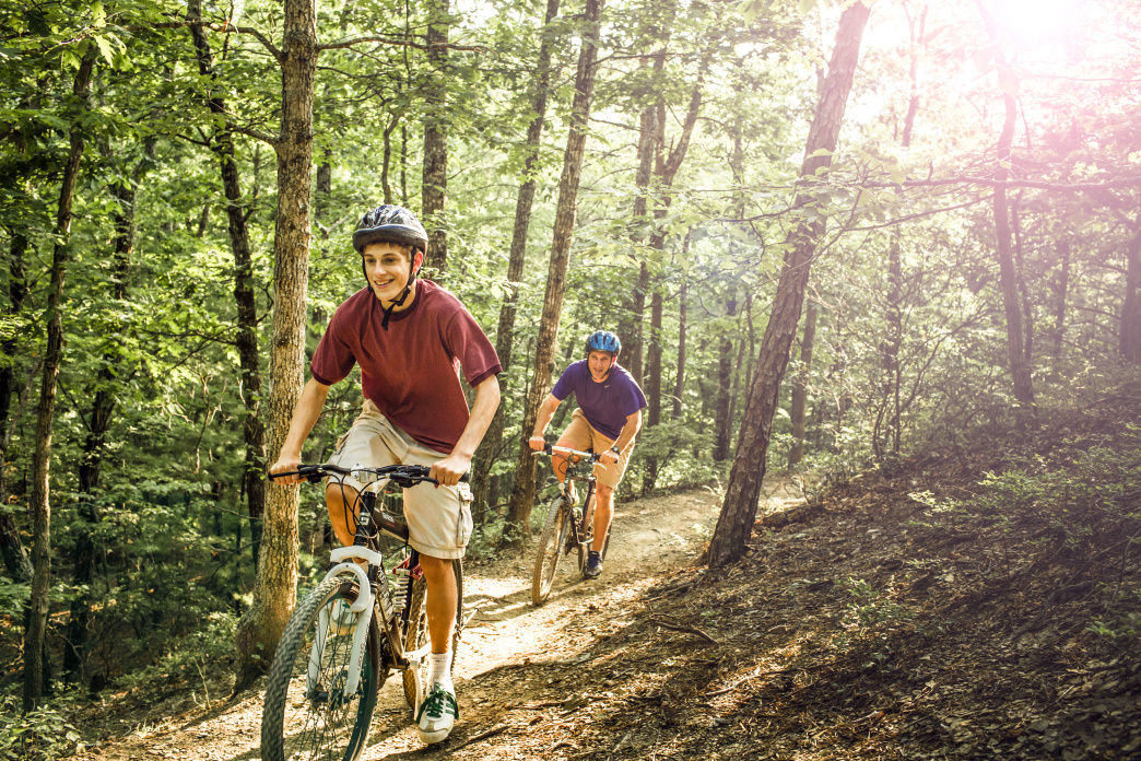 Hit the trails and experience amazing mountain biking during your family time in Virginia's Blue Ridge.