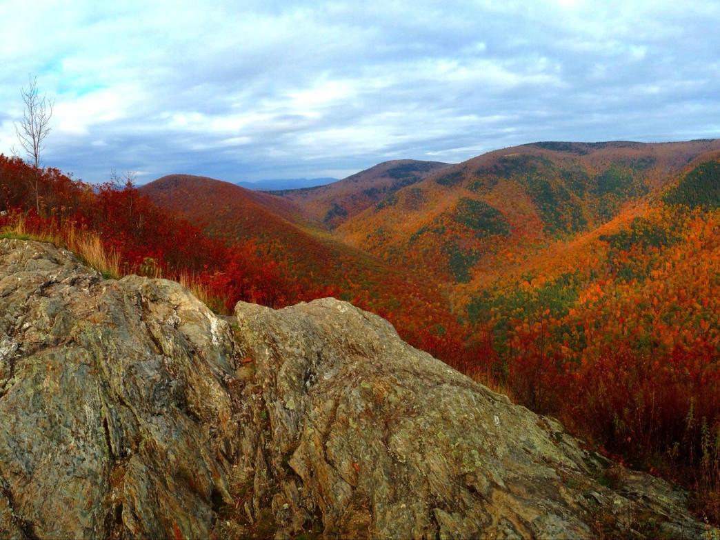 The stunningly vibrant hills of Massachusetts await Boston hikers.