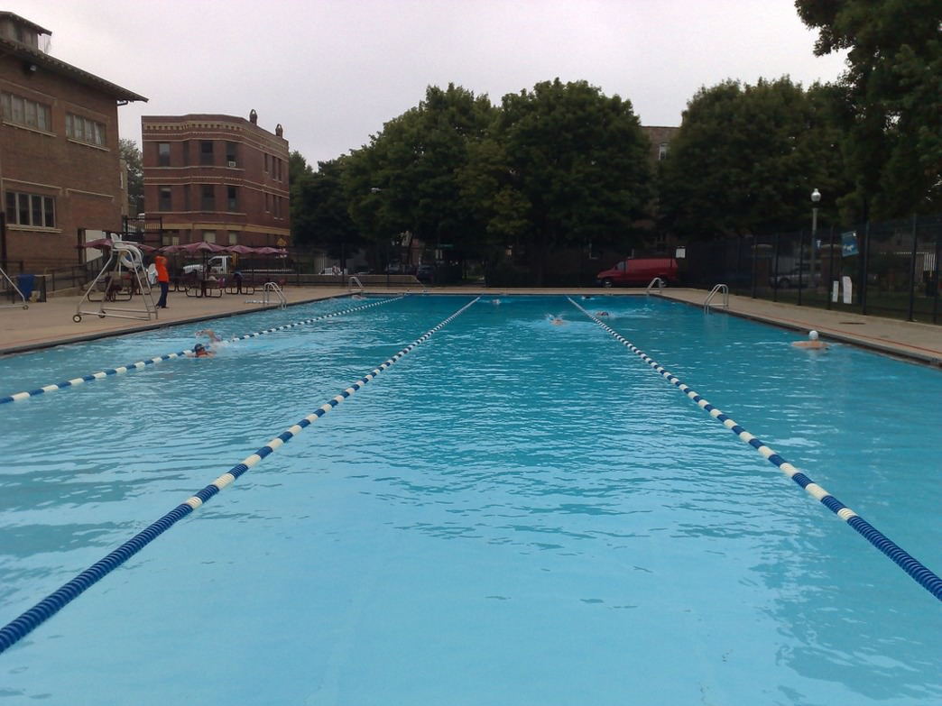 Holstein Park Pool offers one of the best outdoor lap experiences in Chicago.
