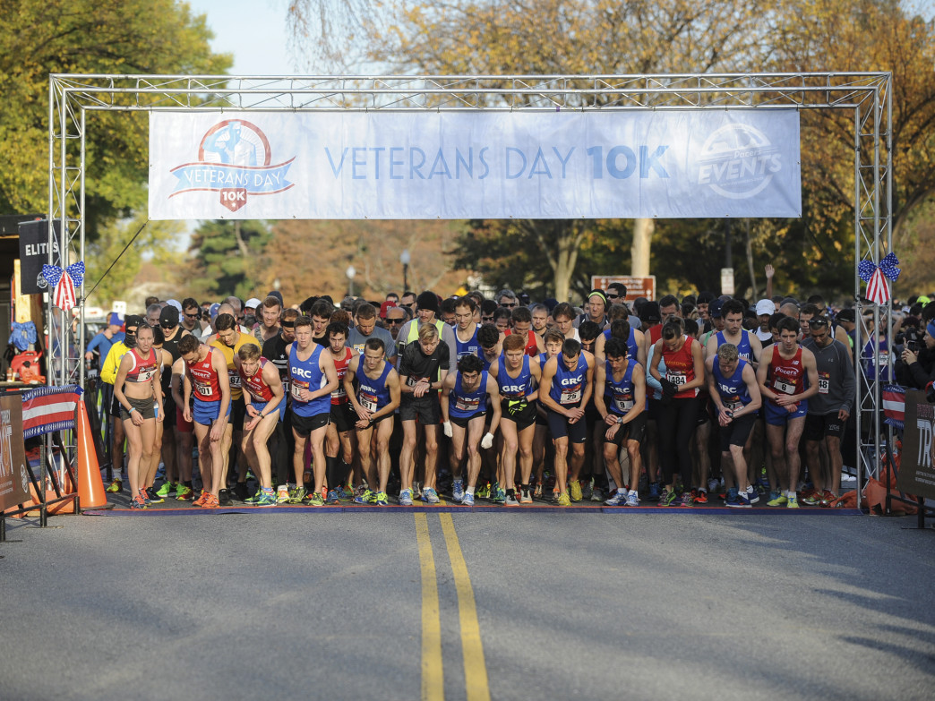 Racers at the start of the Veterans Day 10K Photo: Brian W. Knight/Swim Bike Run Photo