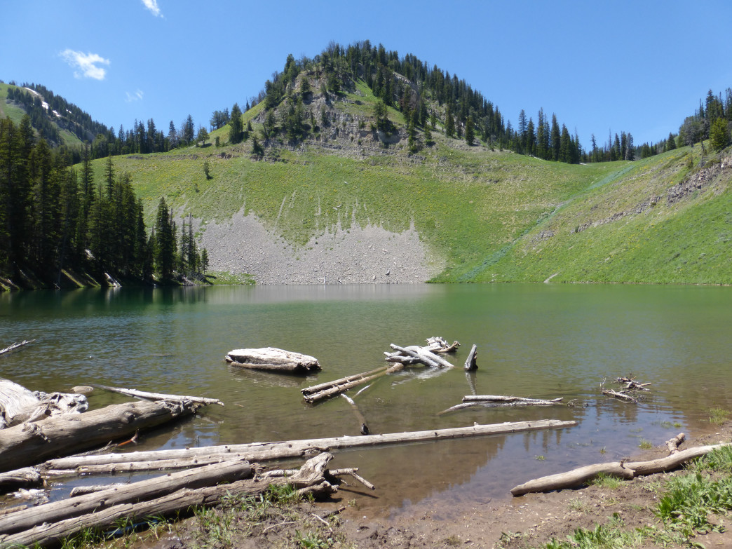 Ski Lake offers great spots for picnicking and just sitting back and relaxing.