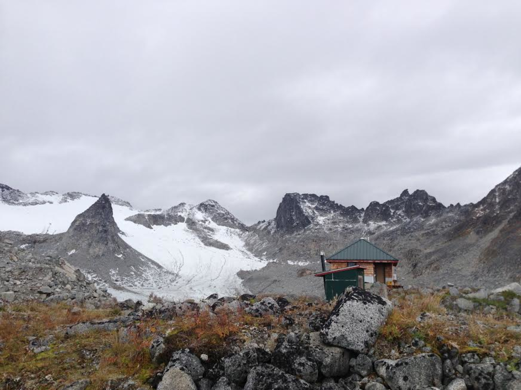 Prepare to be captivated by the Snowbird Hut and its spectacular surroundings.