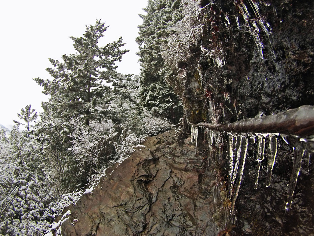 Icicles cling to the giant rock outcroppings near Alum Cave