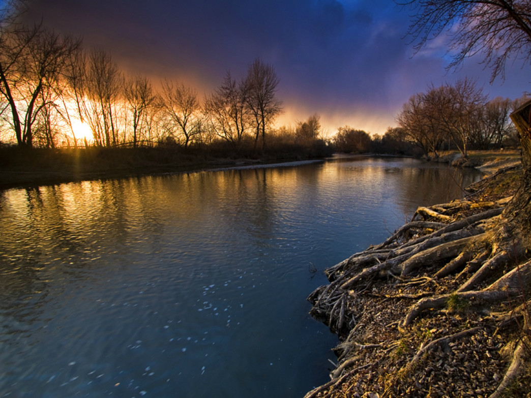 Time it right, and you just may catch a sunset like this on the Boise River.