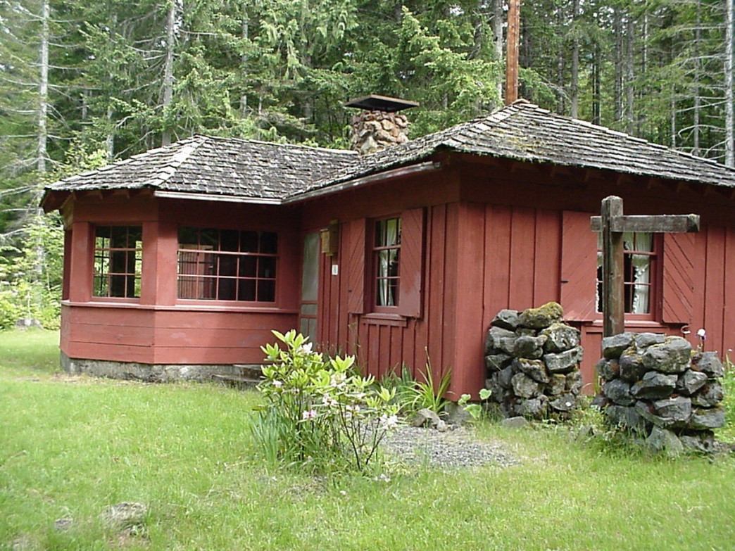 The Hamma Hamma Cabin has great views and close access to some of the most stunning Olympic National Park destinations