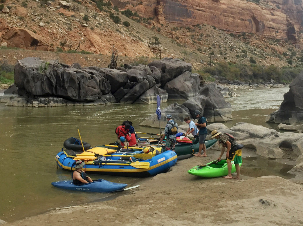 Ruby-Horsethief Canyon is ideal for kayaks, canoes, and rafts.