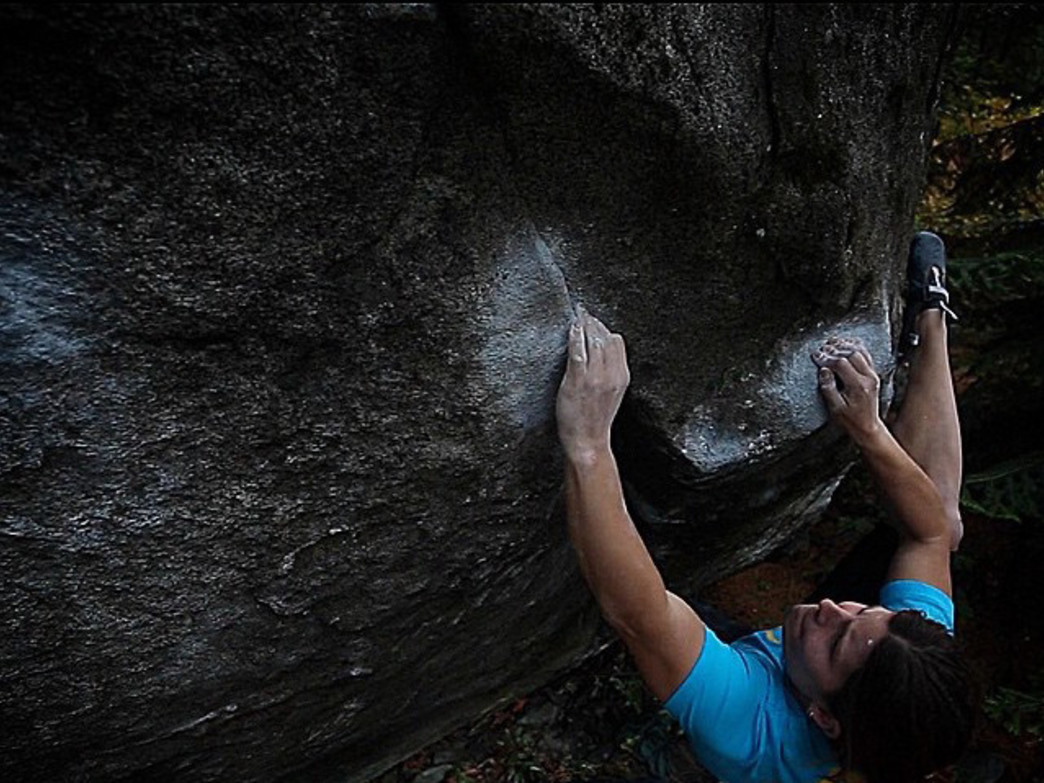 Pietras crushing the moves on Slingblade Low in Leavenworth, Washington.