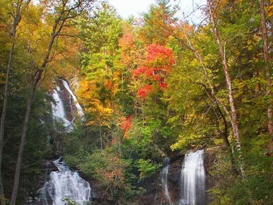 Anna Ruby Falls features a pair of 150-foot tall waterfalls.