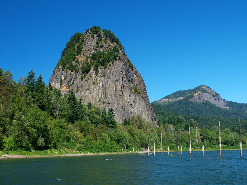 Beacon Rock Climbing