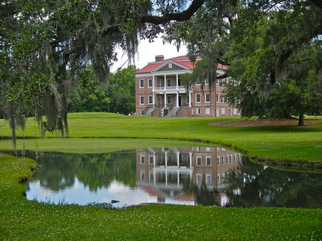 A scenic view of Drayton Hall Plantation