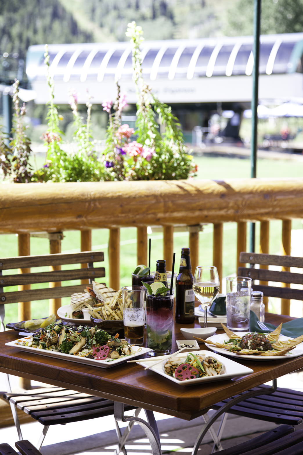 Enjoy outdoor dining at the Royal Street Café.