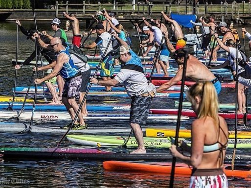 Paddlers brace for the long haul at Round the Rock.