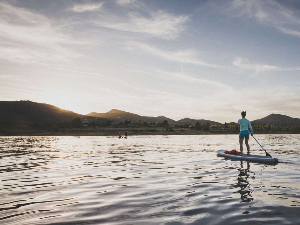 Catch sunset on Jordanelle Reservoir for an unforgettable SUP experience.