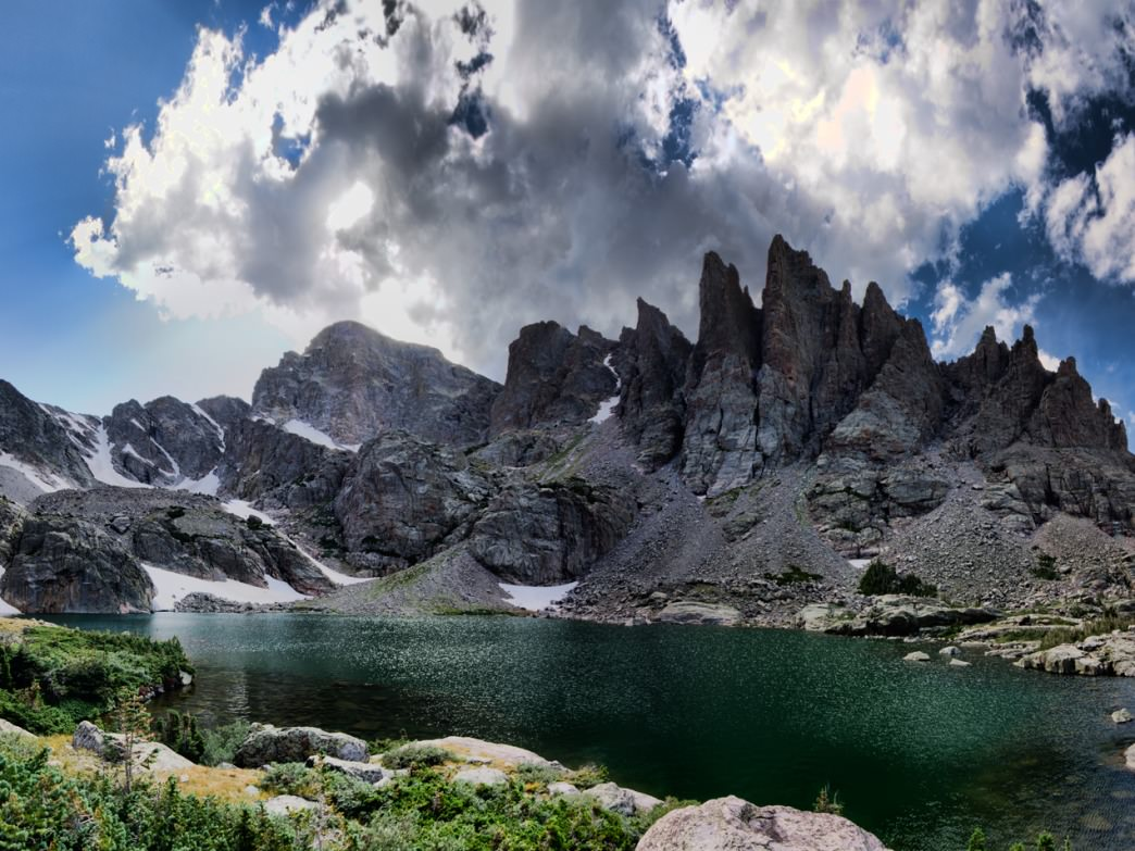 10 OF AMERICA'S BEST HIKES LEADING TO GORGEOUS LAKES