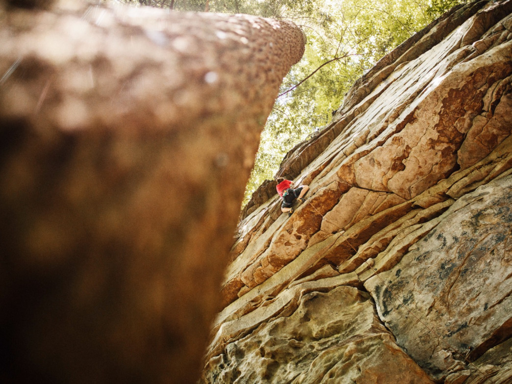 With its cooler temperatures and lack of exposure, Deep Creek is a solid option for summer climbing in Chattanooga