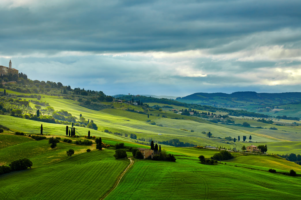 Explore the Tuscan countryside like locals do: on a bike.