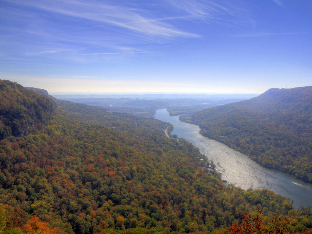 The Tennessee River Gorge is a spectacular setting for paddling just minutes from downtown Chattanooga.