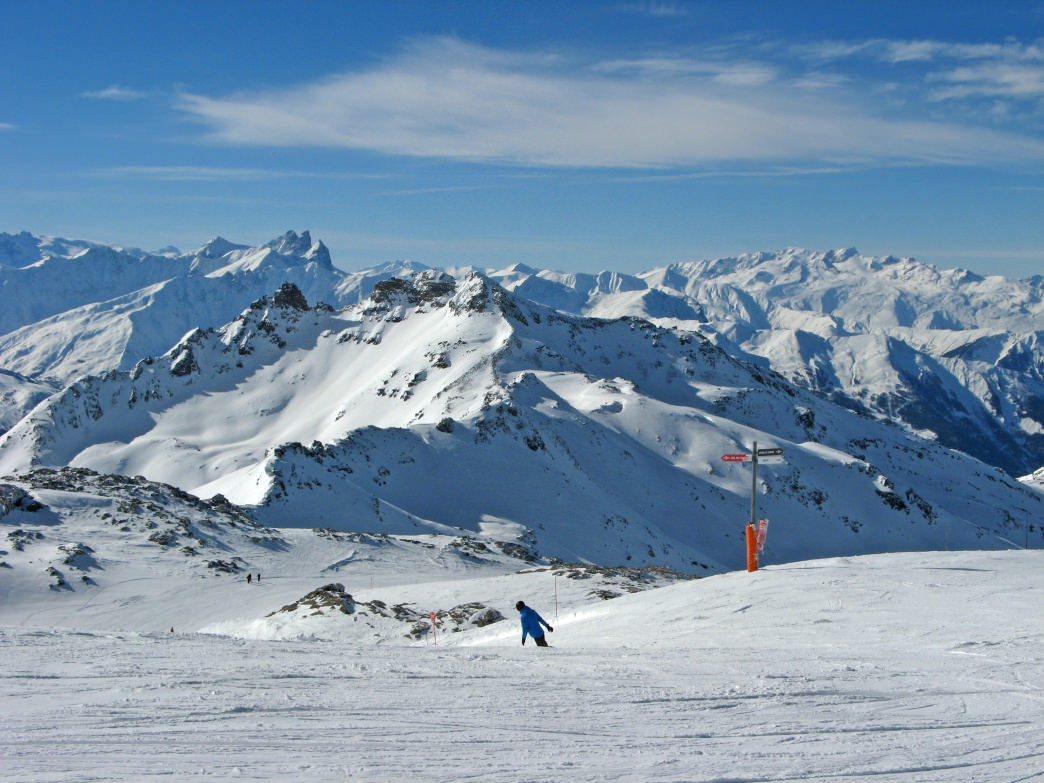 The Combe de Caron starts at one of the highest skiable points in Europe.