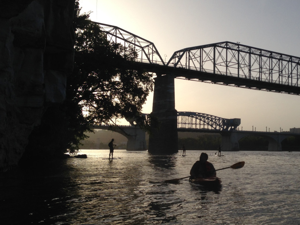 Paddling below the bluff at  Chattanooga's Hunter Museum.