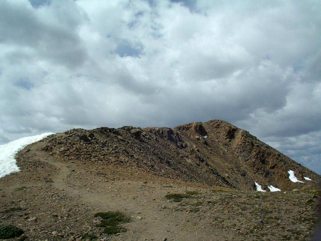 The final hundred feet to the summit of Mount Elbert.