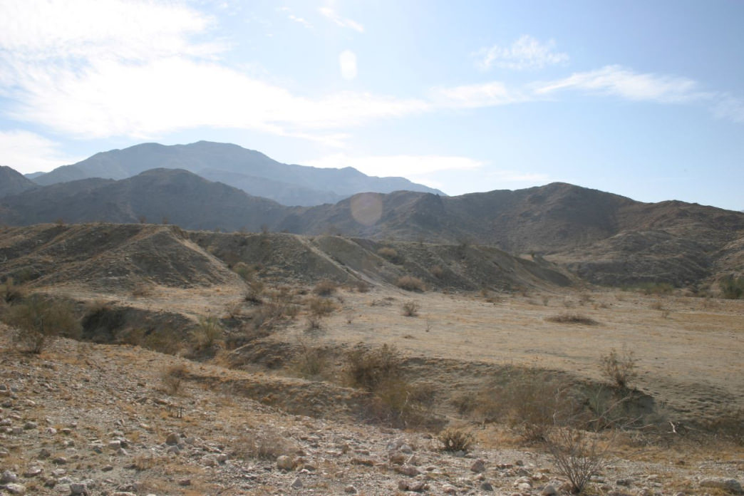 The Lake Cahuilla Trail offers some stunning landscapes.