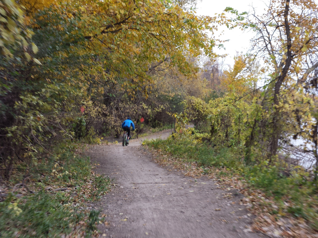 Taking a wide turn on Fort Snelling's Mendota Trail.