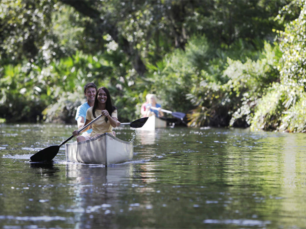 The Chain of Lake includes many canals that offer an intimate paddling experience.