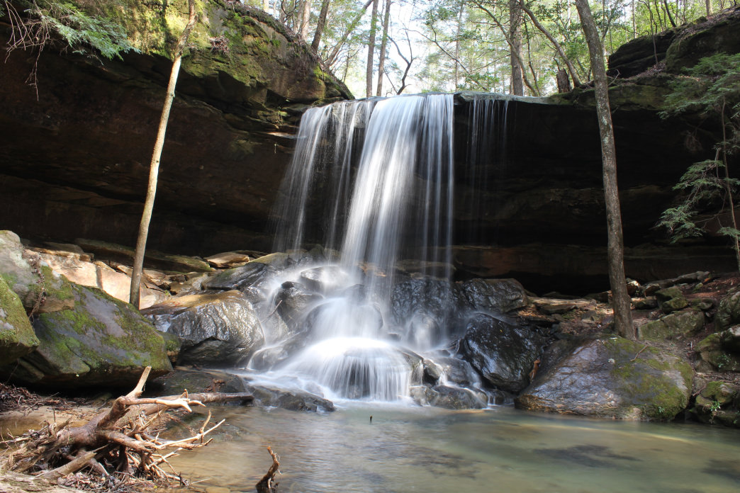 An example of the type of natural waterfall that can be found at Chewacla State Park.