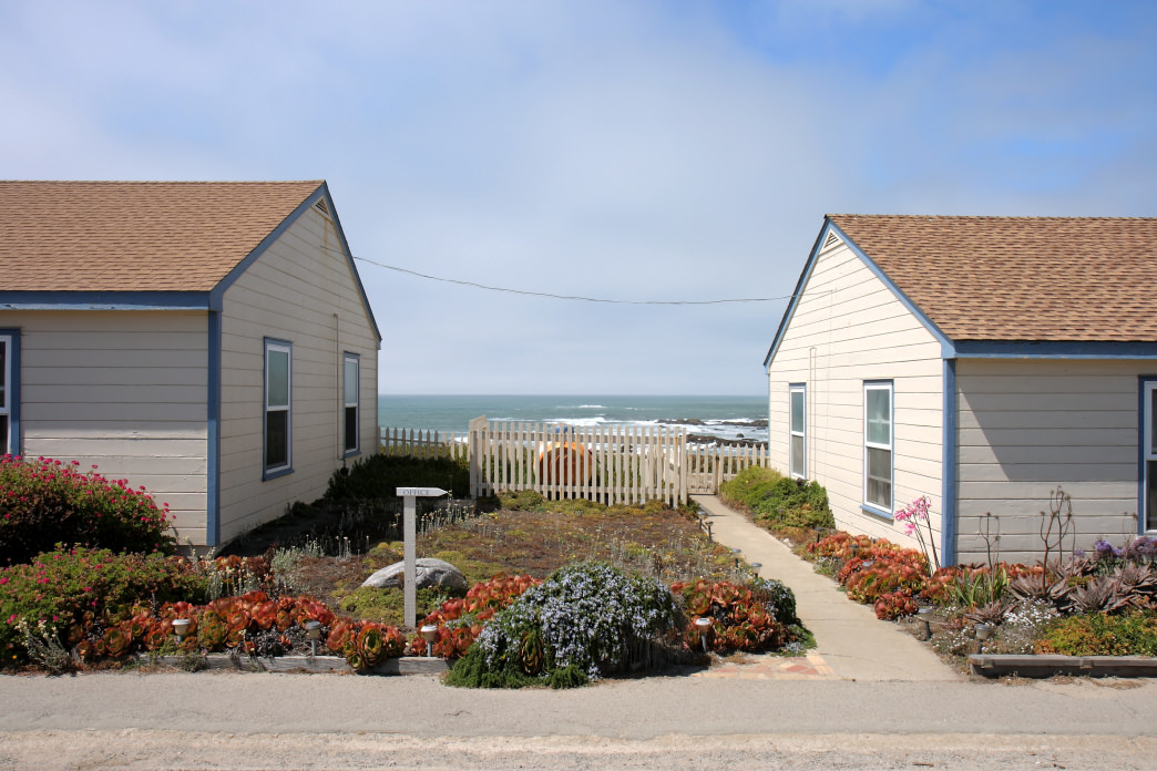 Hang out in the hot tub with ocean views at the Pigeon Point Lighthouse Hostel.