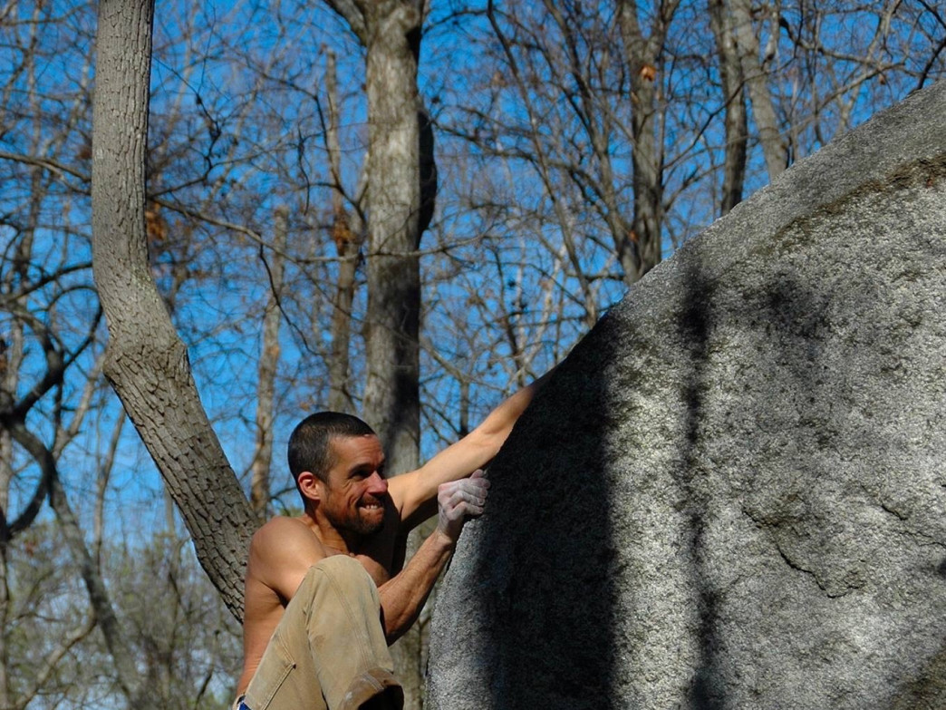 Luis Rodriguez at Float The Boat bouldering comp.