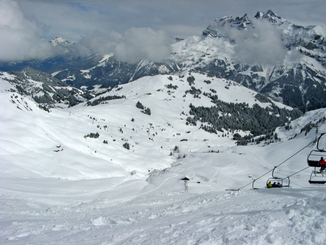 Expect to find huge moguls on Le Pas de Chavanette, which is on the border between France and Switzerland.