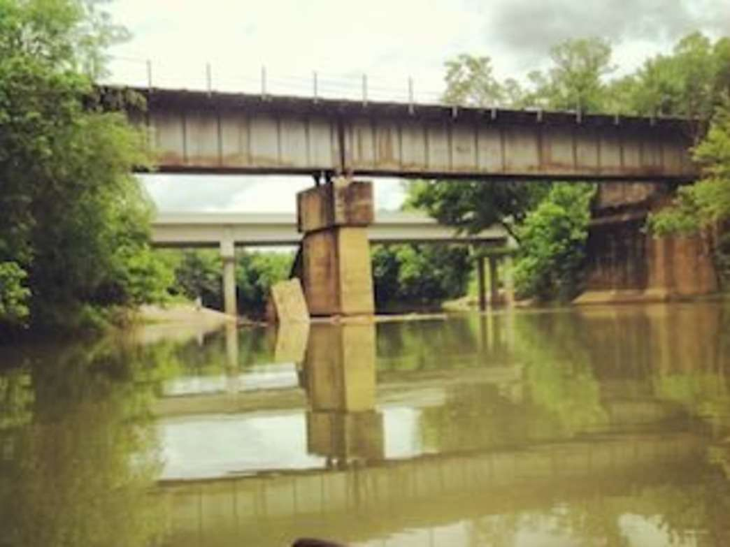Paddling under bridges at Lookout Creek. Photo by Jake Wheeler