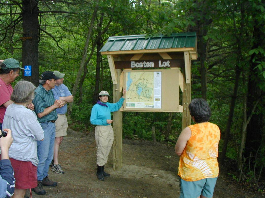 A map at the trail network's entrance will help you figure out where to go.