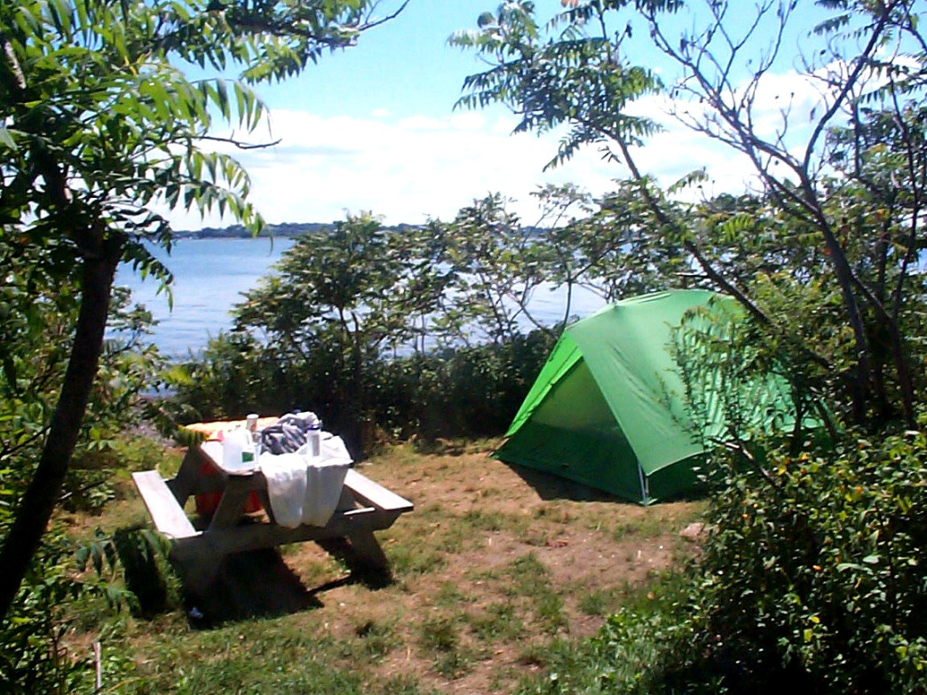Beachside camping on Bumpkin Island
