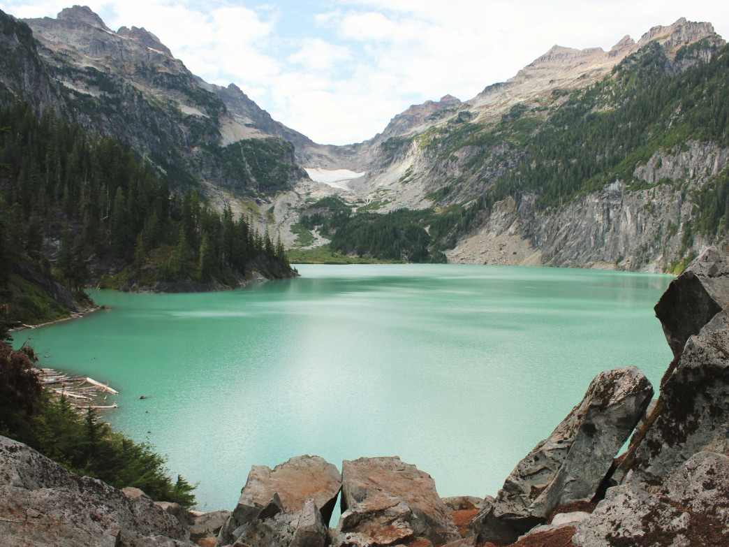 Blanca Lake's turquoise waters draw quite the crowd in the summer. For a more peaceful experience, try visiting in fall.