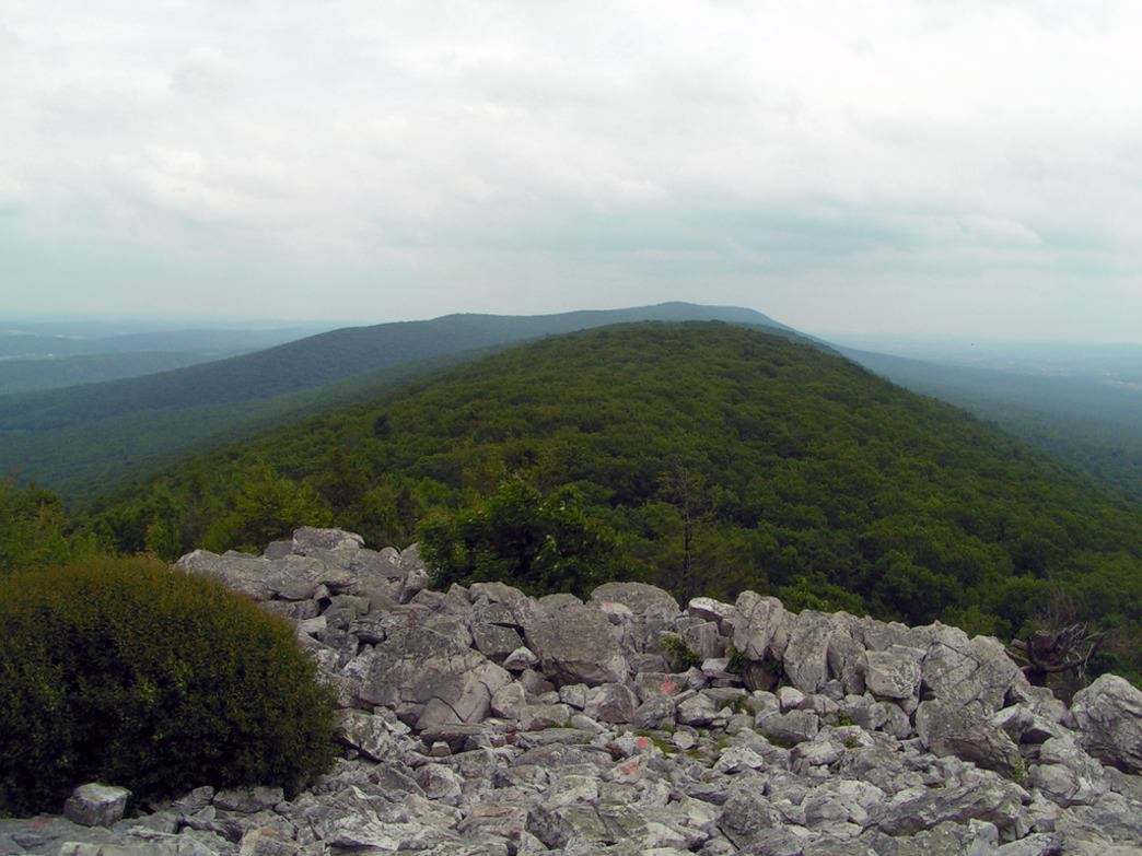 The rocky summit of Hawk Mountain