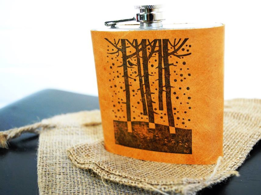 Custom made leather flask by In Blue Handmade.